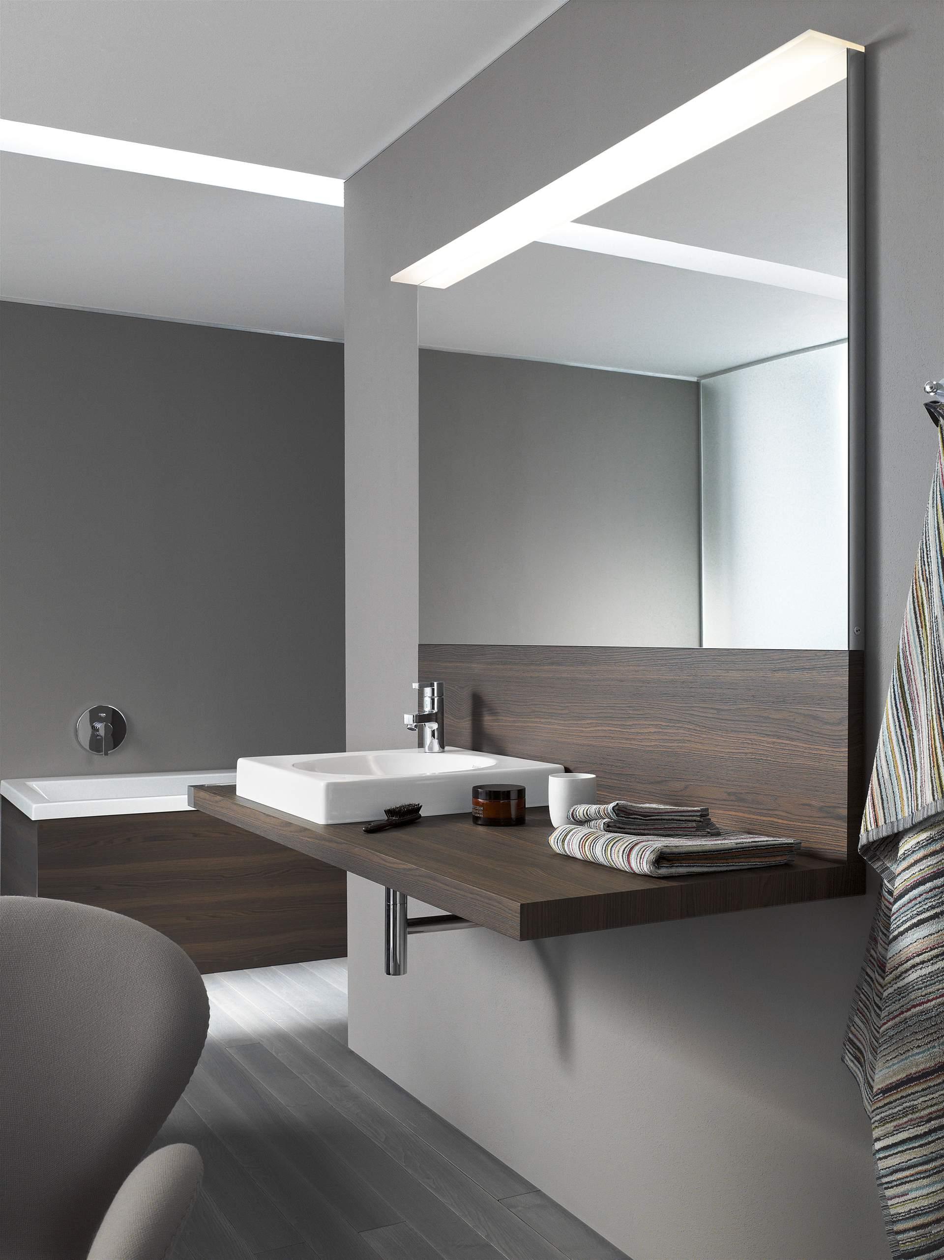 spiegelschr nke spiegel mit beleuchtung duravit. Black Bedroom Furniture Sets. Home Design Ideas